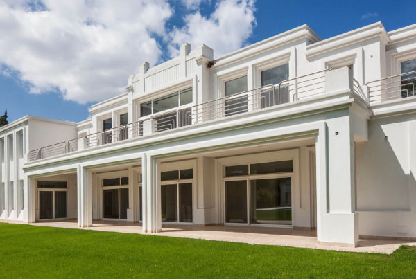 Art Déco en Pacheco Golf | Vaccarezza + Tenesini + Angelone | Arquitectos