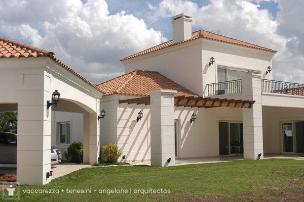 Vaccarezza + Tenesini + Angelone | Arquitectos